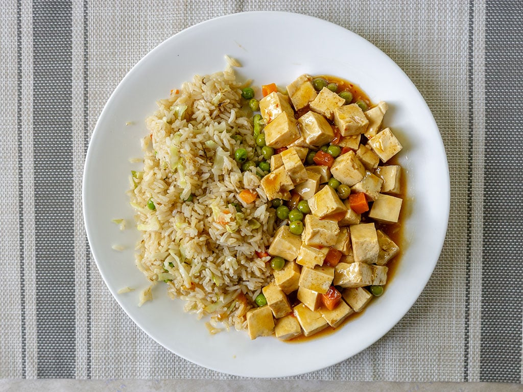 Long Life Vegi House - fried rice with veggie chicken