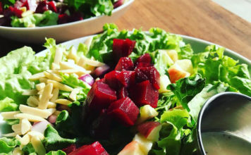 Cuppa - 100% organic apple beet poppy salad