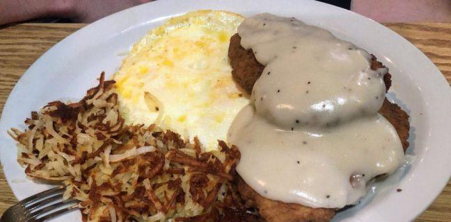 Ramblin Roads Diner - chicken fried steak platter (Monica G)