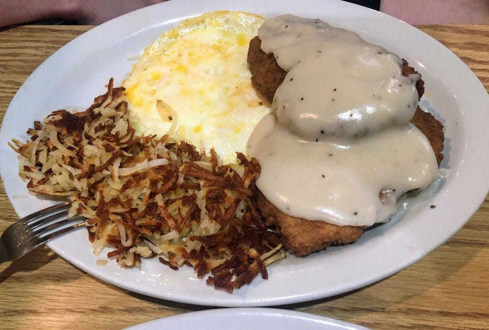Ramblin Roads Diner - chicken fried steak platter (Monica G)