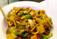 Kao Thai - tofu drunken noodles (Salt Plate City)