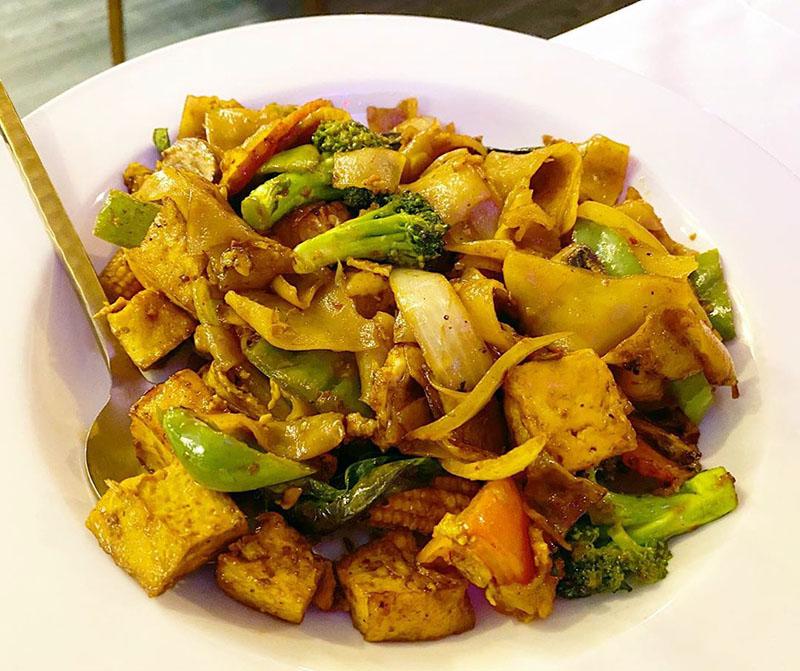 Kao Thai - tofu drunken noodles (Salt Plate City)