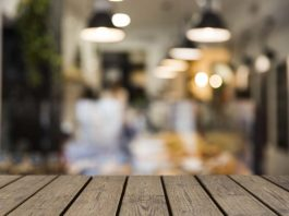 Generic restaurant blurred photo (Freepik)